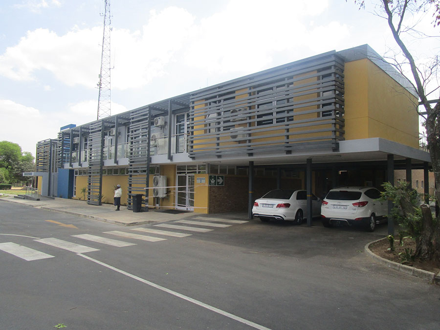 Fezi-Ngubentombi-Hospital-Gallery-2